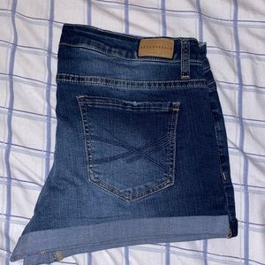 BRAND NEW SIZE 10 STRETCH SHORTS FROM AEROPOSTALE